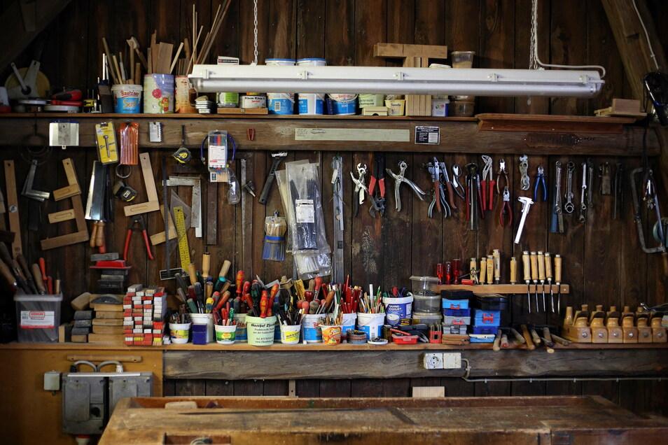 Die Werkstatt auf dem heimatlichen Hof an der Hauptstraße 28 in Gelenau war auch schon vor der Firmengründung bestens bestückt. Das hilft jetzt wirtschaften.