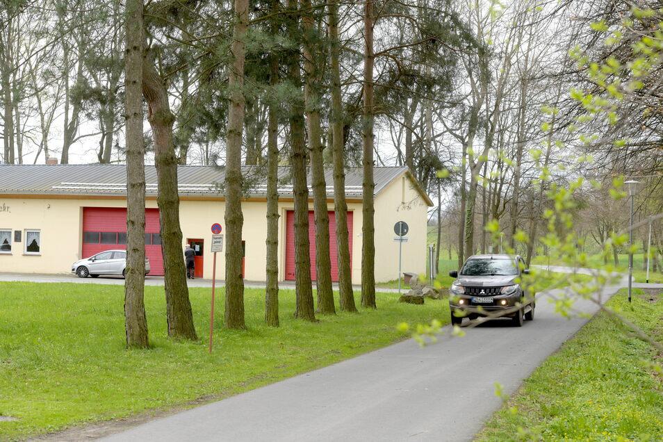 """Die Thomas-Münzer-Straße in Schlegel heißt nun """"Am Schloss""""."""