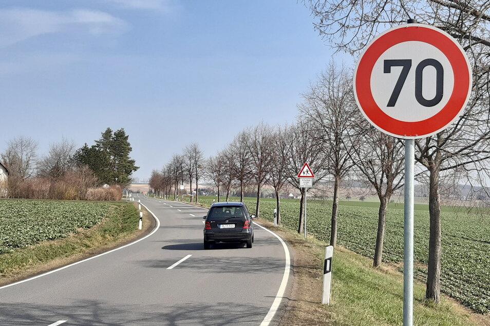 An der S32 in Höhe Dürrweitzschen ist eine Begrenzung auf 70 km/h eingerichtet worden.