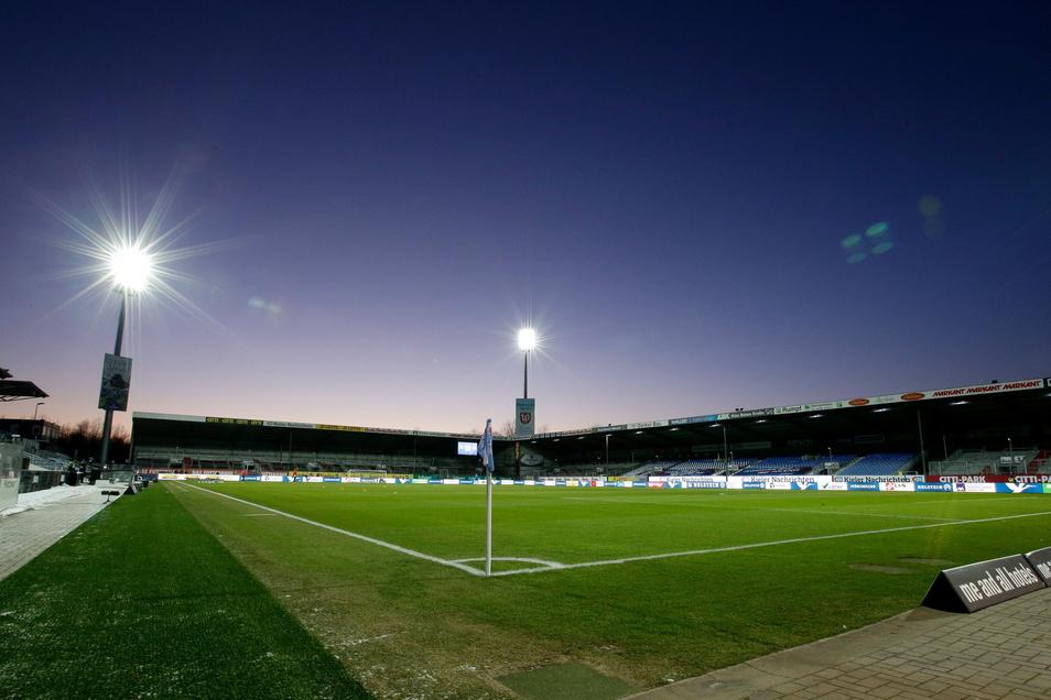 Holstein Kiel | Holstein-Stadion | Kapazität: 15.034 | Auslastung: 4.150 | Auslastung in Prozent: 28.