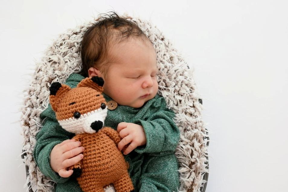 Jonas, geboren am 26. Juni, Geburtsort: Freital, Gewicht: 3.720 Gramm, Größe: 50 Zentimeter, Eltern: Lisa Weinhold und Bert Wynands, Wohnort: Tharandt
