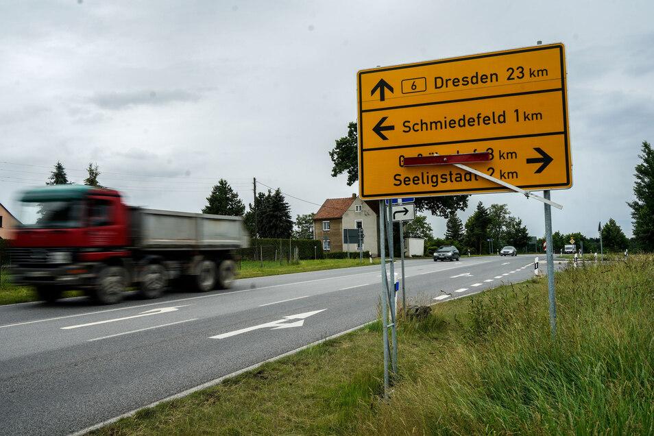 """Die Kreuzung auf der B 6 am """"Dürren Fuchs"""" bei Schmiedefeld: Für die Nachbarn ist die Verkehrs- und Lärmbelastung unerträglich geworden."""