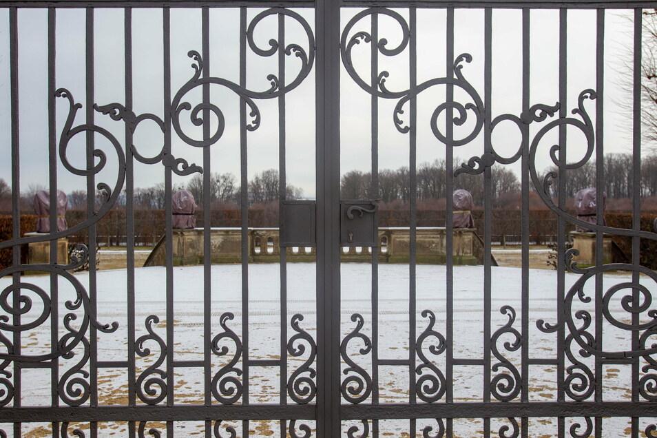 Noch gibt es nur Zaungäste im Barockgarten Großsedlitz. Am 1. April will er wie jedes Jahr wieder öffnen.