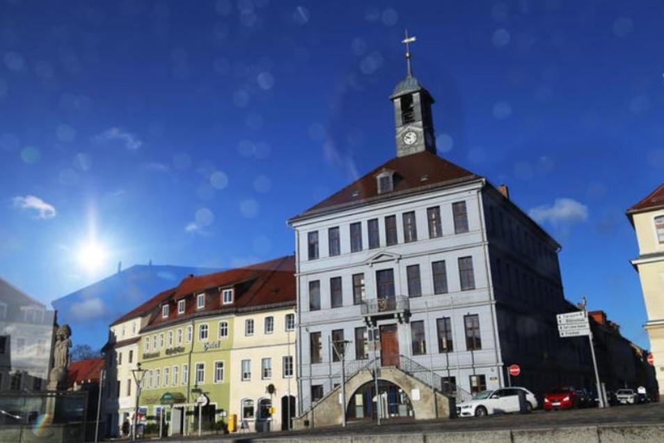 Im Bischofswerdaer Rathaus wurden jetzt die Weichen für die Erschließung neuer Gewerbeflächen gestellt.