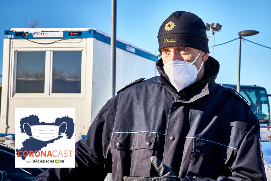 Christian Meinhold, Sprecher der Bundespolizeidirektion Pirna, erklärt im CoronaCast, was an der Grenze zu Tschechien jetzt zu beachten ist.