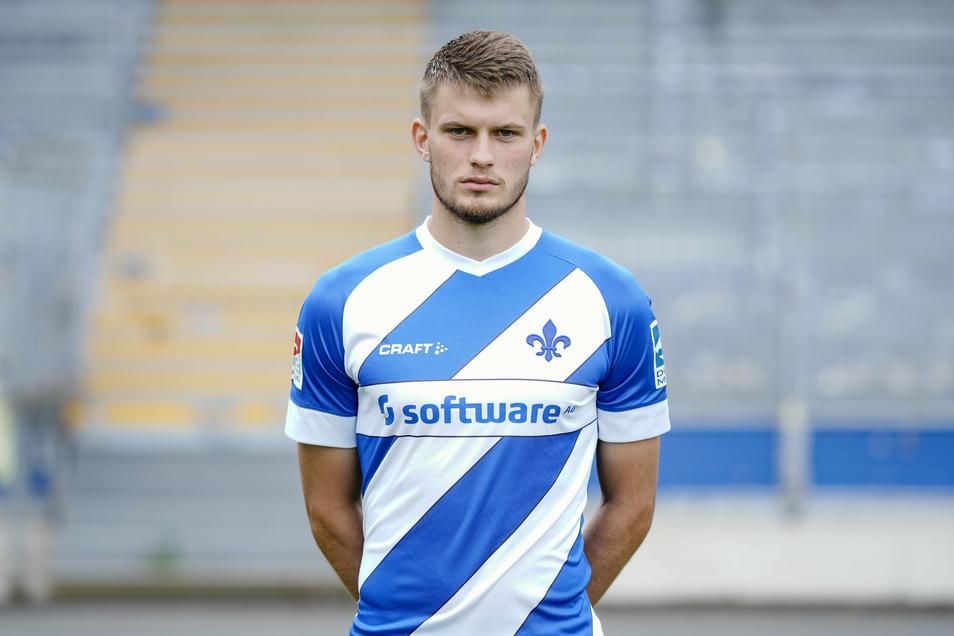 Der Dresdner Lars Lukas Mai, Bruder von Dynamo-Kapitän Sebastian, hat für den FC Bayern zweimal in der Bundesliga gespielt und mit der zweiten Mannschaft der Münchner vorige Saison die Meisterschaft in der 3. Liga gewonnen. Jetzt ist er an Darmstadt ausge