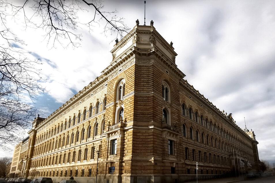 Gespenstische Stille? Wie sich die Coronakrise im Dresdner Justizzentrum am Sachsenplatz auswirkt.