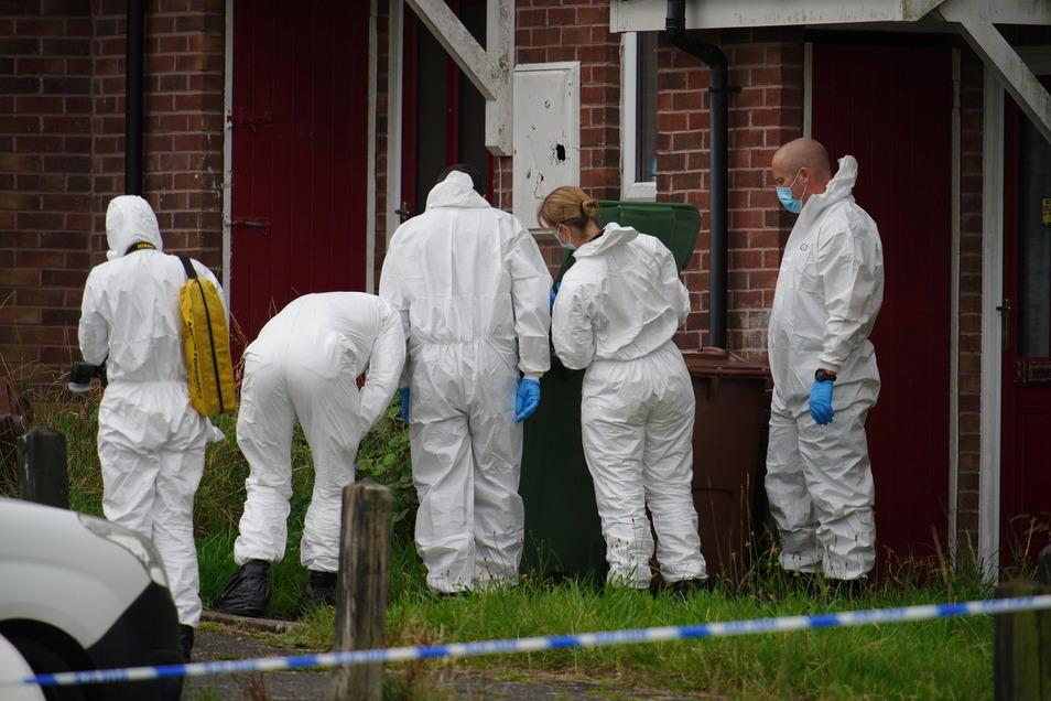 Bei einer Gewalttat in der südenglischen Stadt Plymouth sind nach Angaben der Polizei sechs Menschen ums Leben gekommen. Darunter auch der Täter.