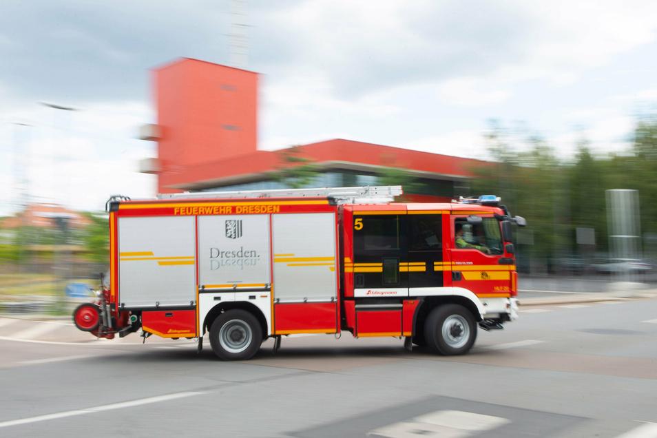 Die Dresdner Feuerwehr hatte es am Mittwoch mit einem Wohnungsbrand zu tun.