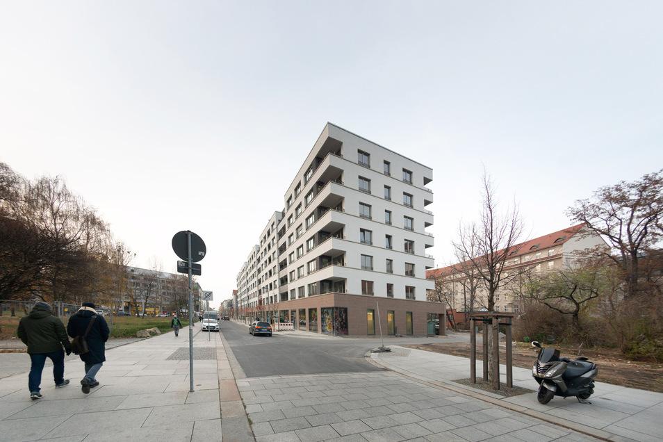 Im Haus am Schauspielgarten sind Ein- bis Fünfraumwohnungen fertig geworden. Die Kaltmieten betragen über zehn Euro.