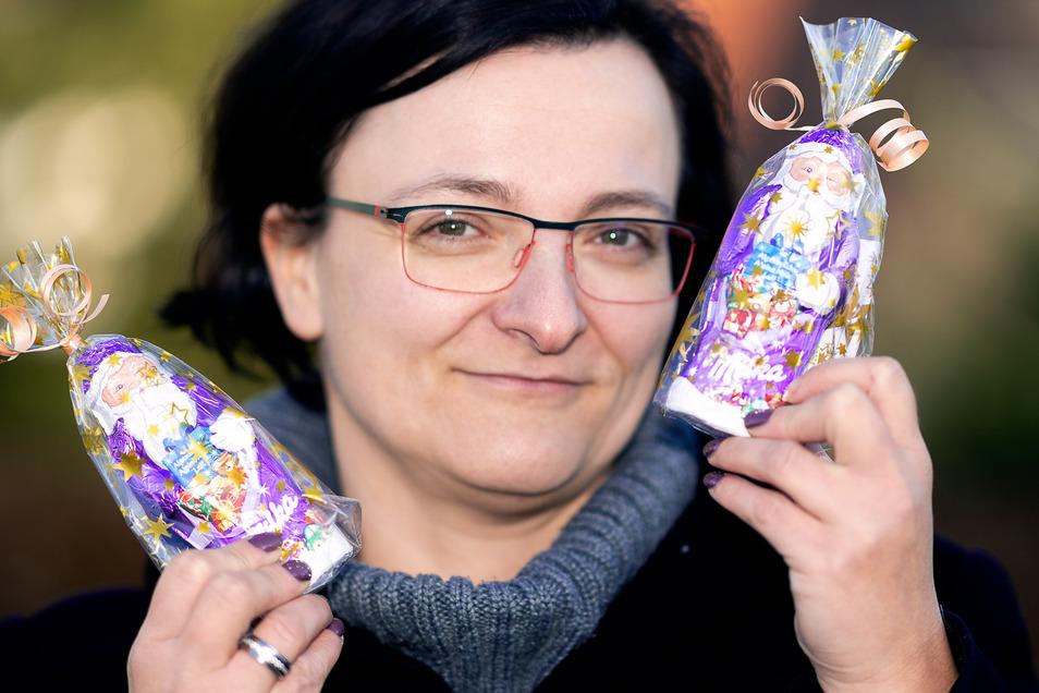 Bürgermeisterin Janine Bansner versteckt  jeden Tag einen Schoko-Weihnachtsmann in Frankenthal.