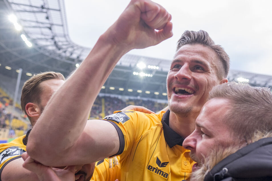 Stark spielte Stefan Kutschke schon in seinem ersten halben Jahr bei Dynamo, als er im Januar 2016 vom 1. FC Nürnberg ausgeliehen worden war. So erzielte er mit dem 2:1 zum Sieg gegen Werder Bremen II einen seiner drei Treffer.
