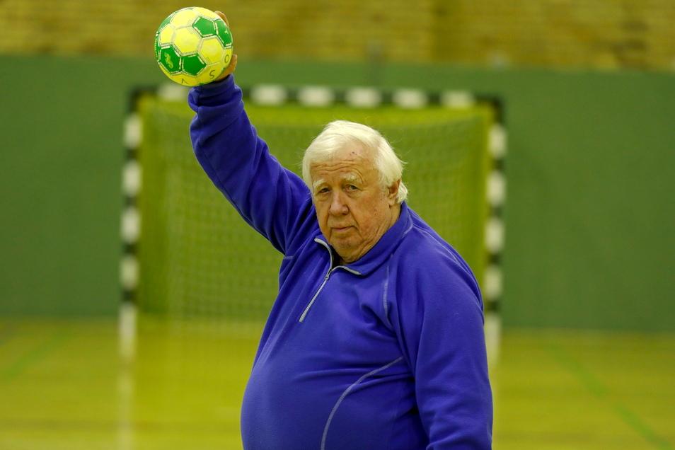 Der Eichgrabener ist seit Jahrzehnten ein aktiver Handballer.