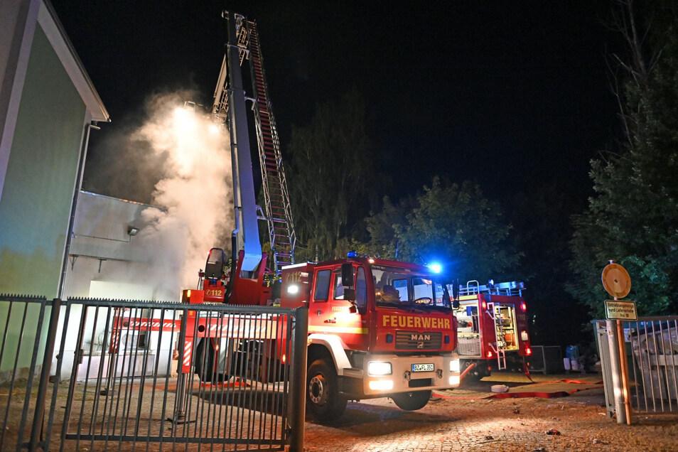 In der Kirschauer Textilfabrik hat es in der Nacht zu Donnerstag gebrannt.