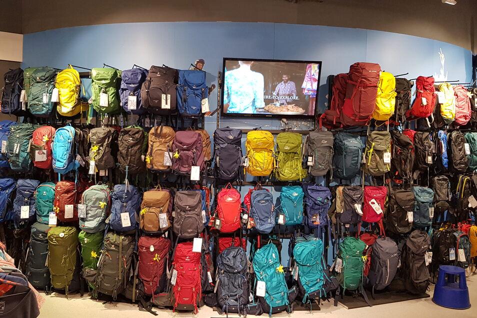 Den passenden Rucksack für die Herbstwanderung gibts bei Intersport Hübner.