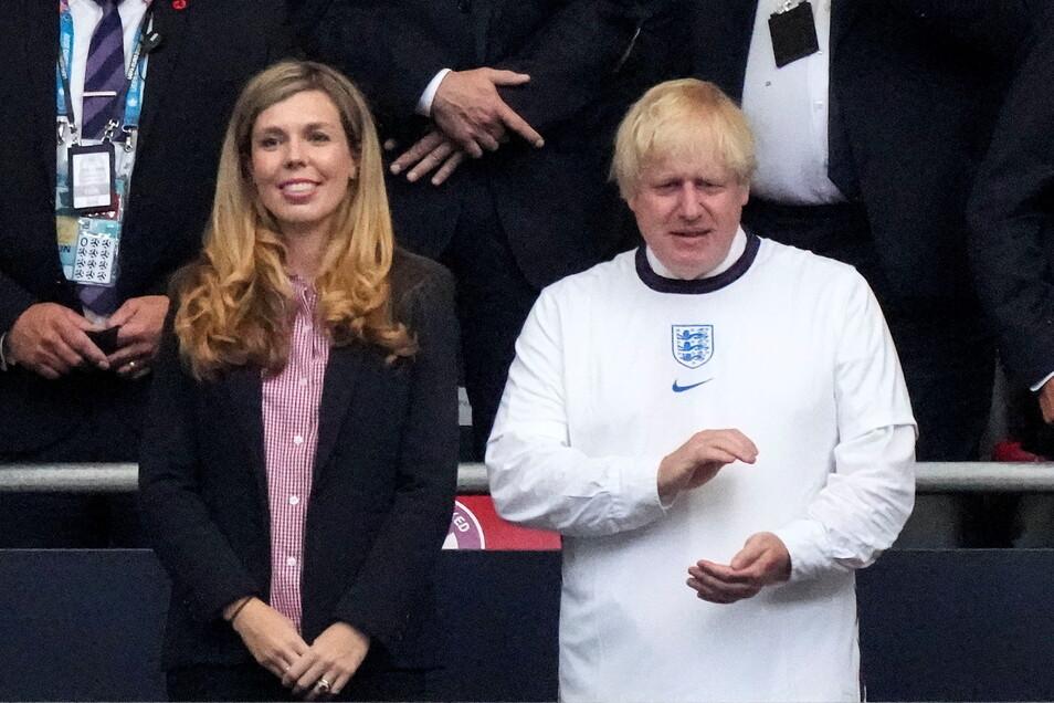Boris Johnson und seine Frau Carrie Johnson erlebten das Finale in Wembley auf der Tribüne.