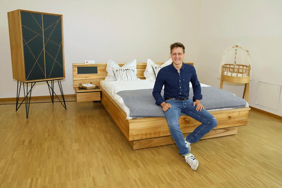 """Eine Schlafzimmereinrichtung im """"Hygge-Stil"""" hat Chris-Albert Gebhardt zum Abschluss seiner Ausbildung als Tischler hergestellt."""