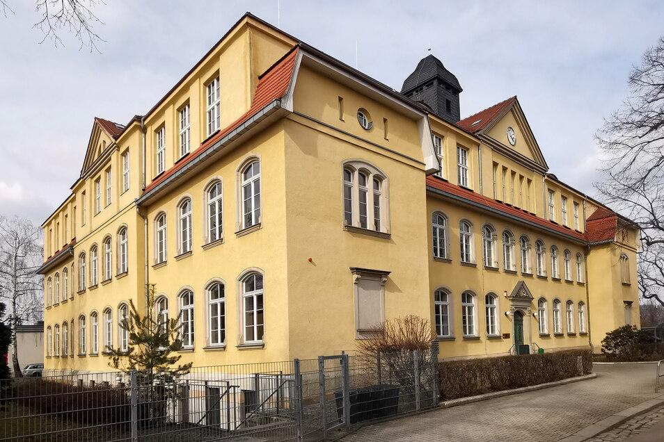 An der 66. Oberschule in Leuben wollen im neuen Schuljahr die meisten Fünftklässler lernen. Hier gibt es doppelt so viele Anmeldungen wie Schulplätze.