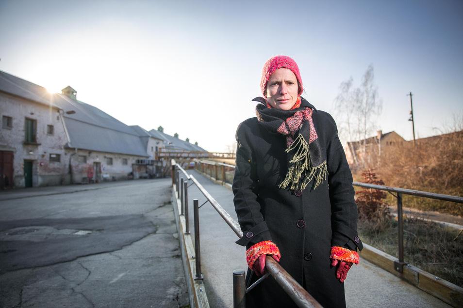 Ostrale-Chefin Andrea Hilger an der alten Wirkungsstätte.