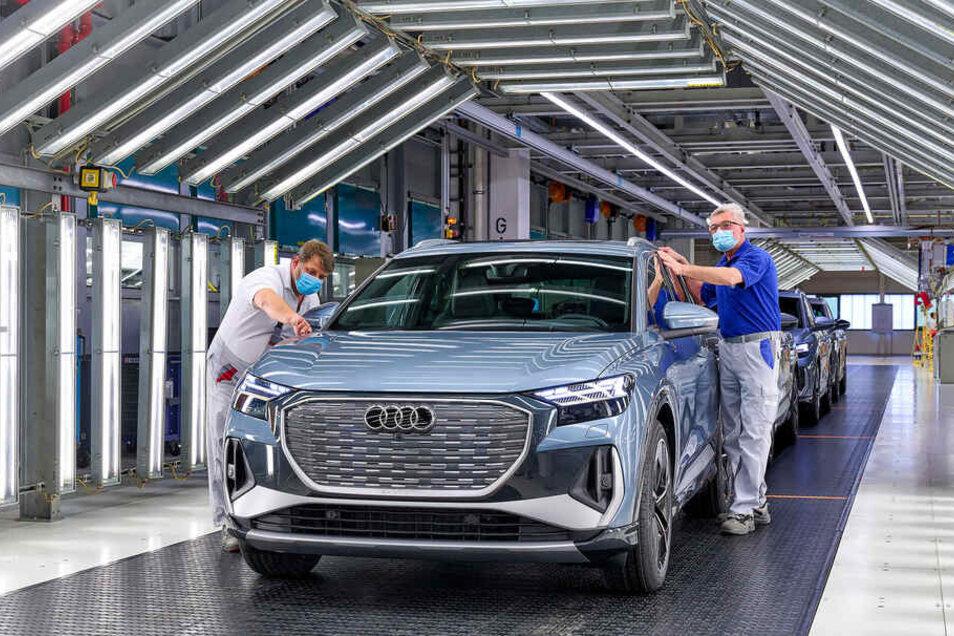 Erstmals zeigt Audi den in Zwickau gebauten SUV Q4 e-tron.