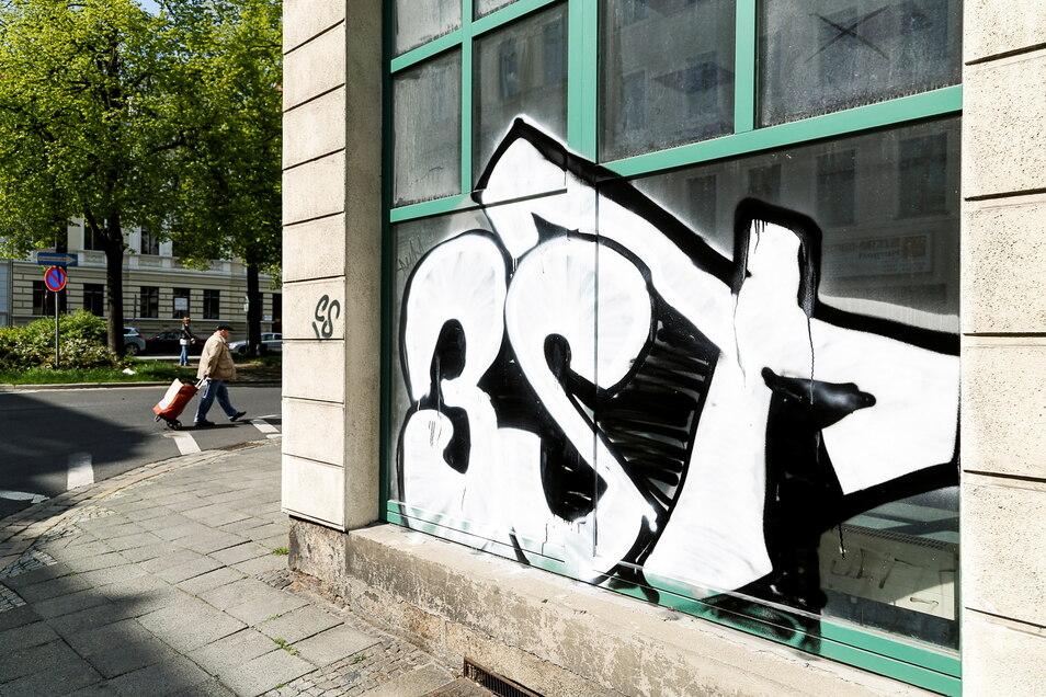 Ein Bild aus dem Archiv: Graffiti am Görlitzer Otto-Buchwitz-Platz.