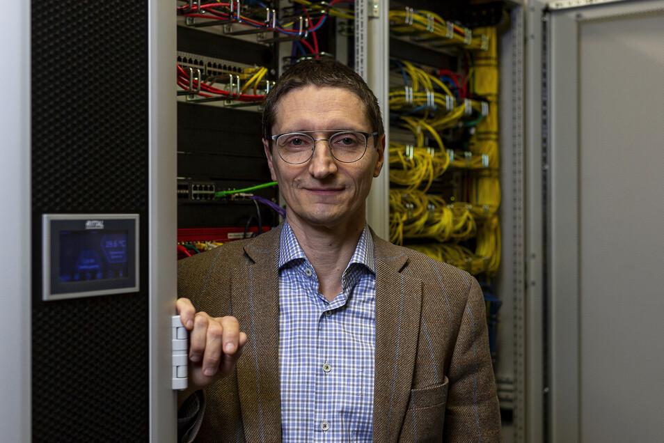 Matthias Leuschner, Geschäftsführer der Freitaler Strom und Gas, freut sich über immer mehr Internetkunden.