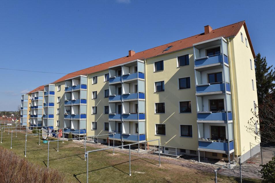 Die Häuser der Kommunalen Wohnungsgesellschaft (KWG) an der Wolframsdorfer Straße in Dippoldiswalde haben letztes Jahr neue Balkons bekommen.