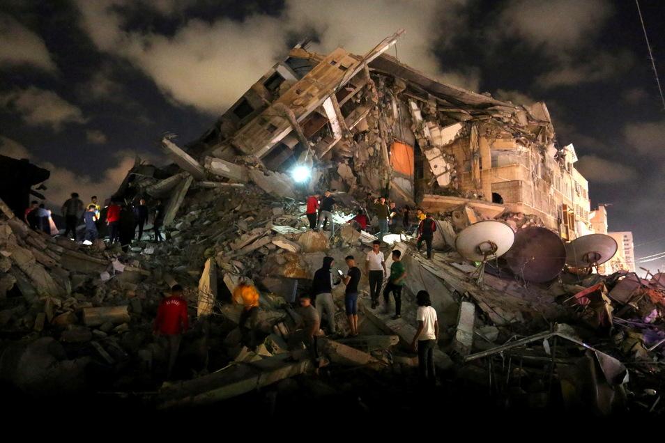 Israel, Gaza: Die Folgen des brutalen Schlagabtausches sind verheerend. Im Gazastreifen wurden 248 Menschen getötet. 1.800 Wohnungen und Häuser wurden zerstört.