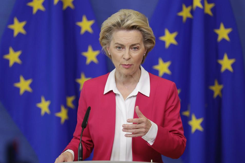 Im Brexit-Streit leitet die Europäische Union rechtliche Schritte gegen Großbritannien wegen Verletzung des EU-Austrittsvertrags ein. Das kündigte Kommissionspräsidentin Ursula von der Leyen am Donnerstag in Brüssel an.