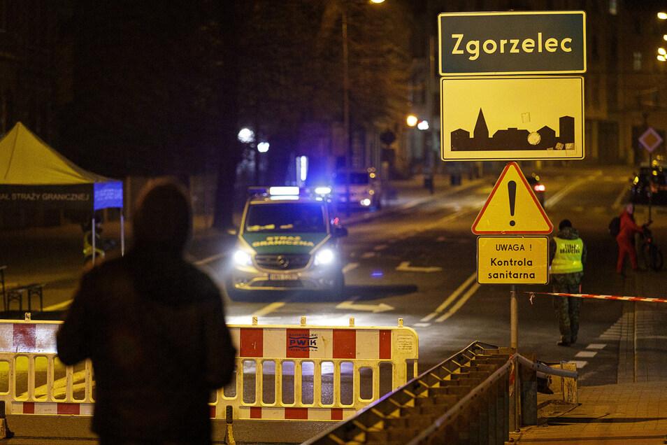 Seit dem 15. März ist die Stadtbrücke in Görlitz dicht. Dagegen gibt es jetzt Widerstand in Polen und Deutschland.