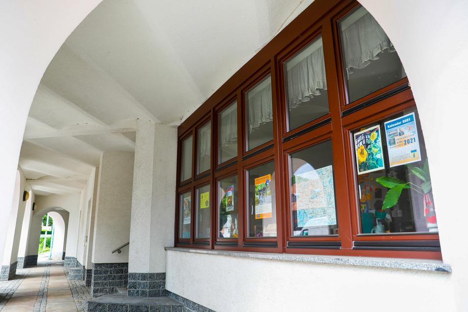 Das Gästebüro im Ebersbacher Verwaltungsgebäude zieht Ende September aus und später der Bürgerpolizist hier ein.
