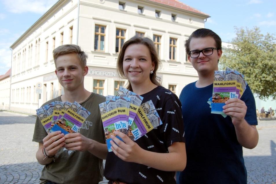 Joel Radowski, Marija Skvoznikova und Pascal Stallerscheck (v.l.n.r.) gehören zu den Organisatoren.