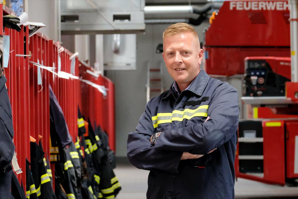 """""""Im Katastrophenfall ist ein solcher Infopunkt zentrale Anlaufstelle für betroffene Bürger"""" – Meißens Wehrleiter Frank Fischer."""