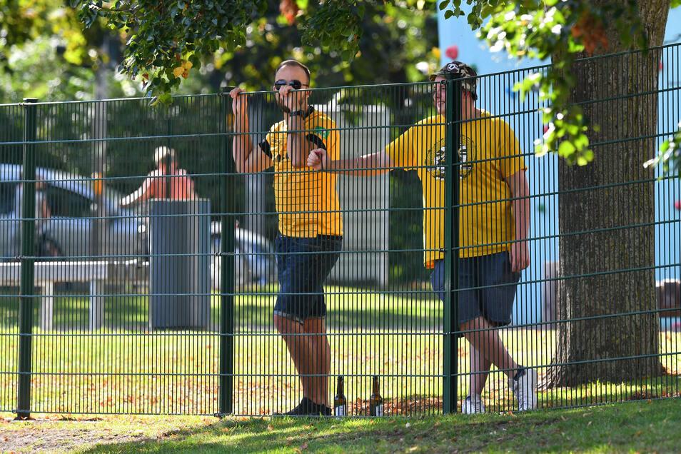 Wie im Trainingslager in Heilbad Heiligenstadt müssen die Dynamo-Fans wohl auch beim Saisonstart draußen bleiben.