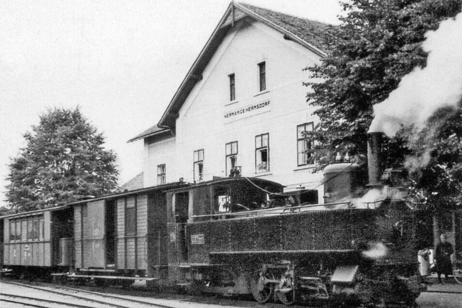 Ein abfahrbereiter Zug nach Friedland am Bahnhof Hermsdorf im Jahr 1936.