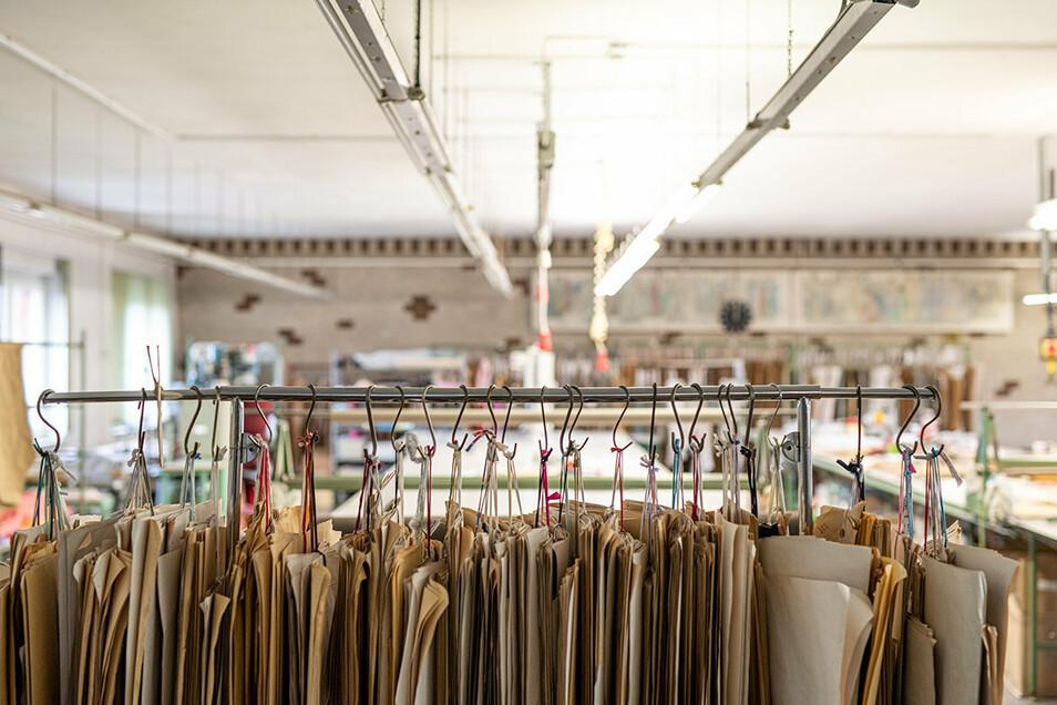 Neuer Schwung in alten Hallen: In den Räumen der insolventen Roland Sauer GmbH wird nach verändertem Konzept gearbeitet.