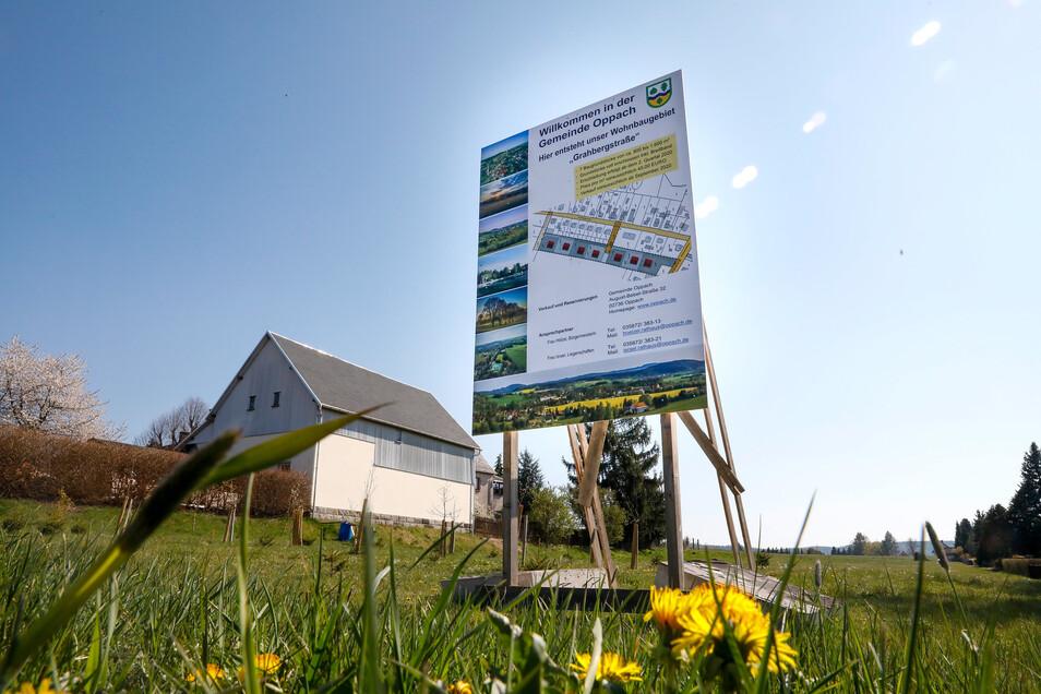 An der Grahbergstraße in Oppach wird ein neues Baugebiet für Eigenheime erschlossen.