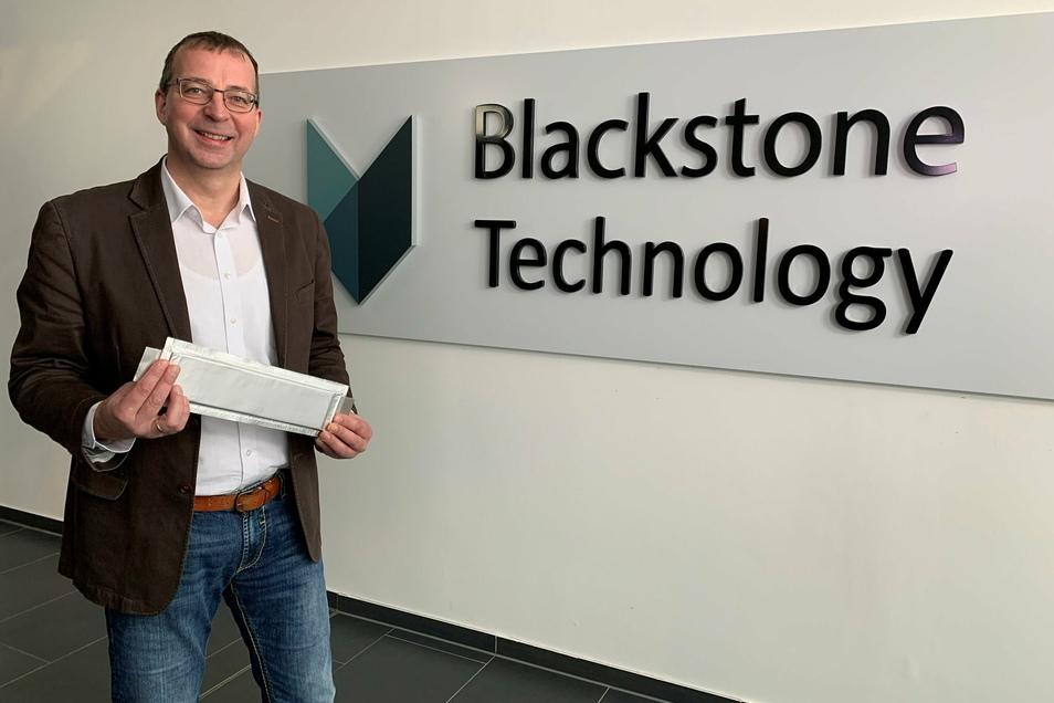 Holger Gritzka, Geschäftsführer von Blackstone Technology, stellte die Pläne für die Produktion modernster Batterien in Döbeln vor.