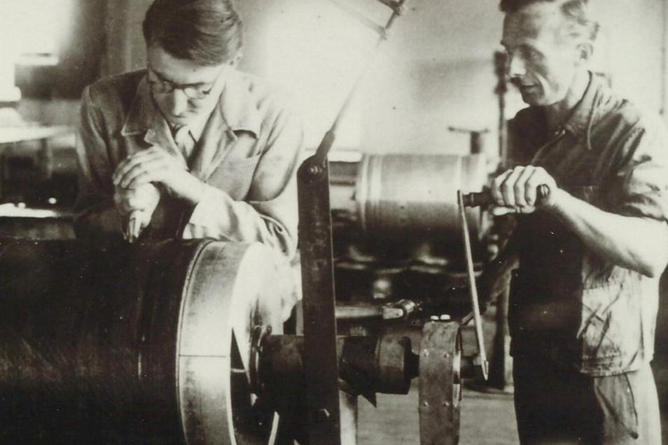 So primitiv wurden die ersten Reifenrohlinge in Heidenau gefertigt.