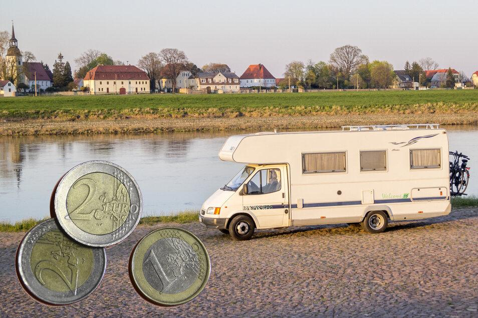 Fünf Euro soll das Nutzen des Wohnmobilstellplatzes am Strehlaer Elbufer künftig kosten. Das hat die Stadtpolitik jetzt beschlossen – und noch mehr.