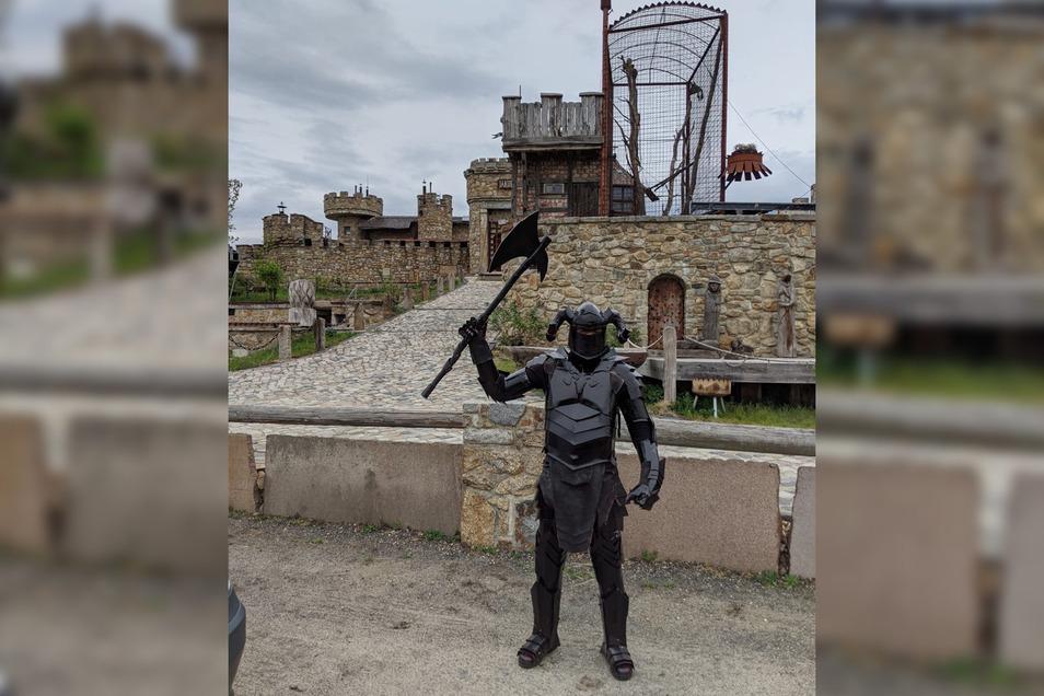 Dieser Ritter wollte die Jakubzburg Mortka stürmen – für ein Fotoshooting.