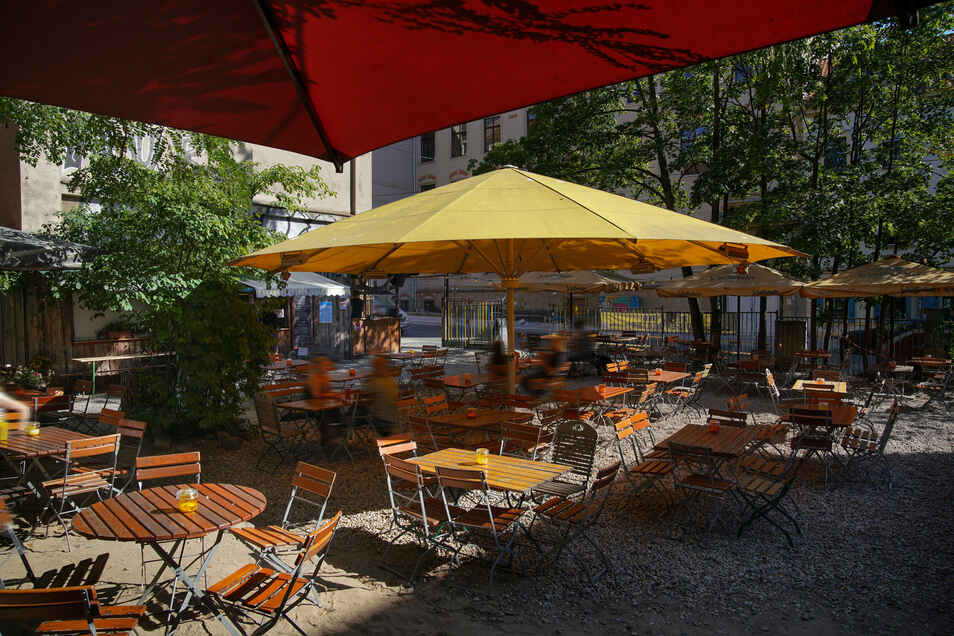 Der Louisengarten liegt mitten in der Dresden Neustadt