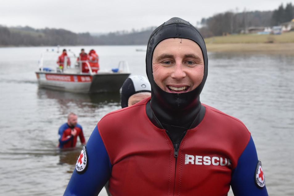 Seit August schwamm Lars Werthmann täglich durch die Malter. Er hat durchgehalten - zum Nutzen sächsischer Kinder.