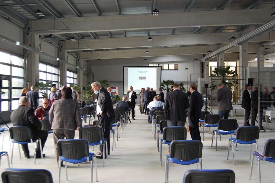 Im Anschluss an die Eröffnung traf sich die Lausitzrunde der hiesigen Kommunen in der Werkhalle. In den nächsten Tagen wäre das schon nicht mehr möglich, denn auch hier sind in Bälde die ersten Mieter aktiv.