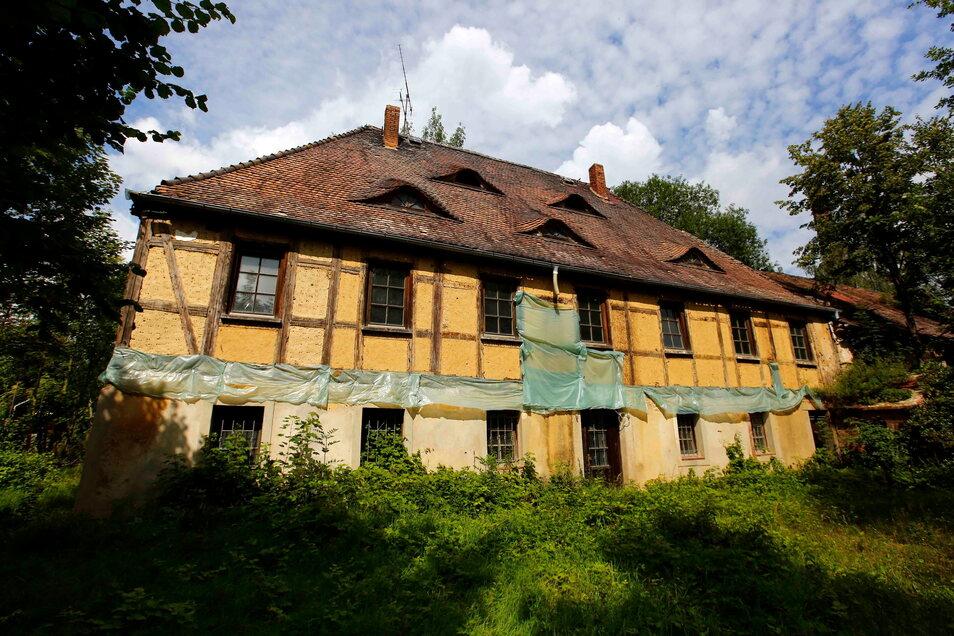 Das ehemalige Herren- oder Inspektorhaus im Kamenzer Ortsteil Biehla soll Ende des Monats versteigert werden. Biehlaer hoffen auf einen Investor der aus dem Schandfleck etwas macht.