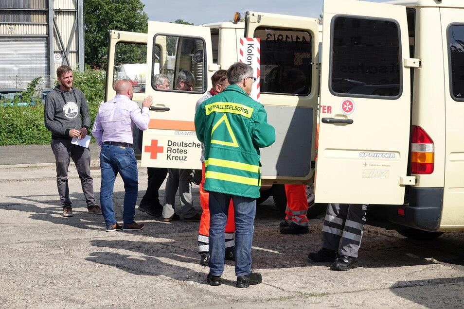 Auch sechs Notfallseelsorger des DRK aus dem Landkreis reisten am Montagnachmittag nach Rheinland-Pfalz.