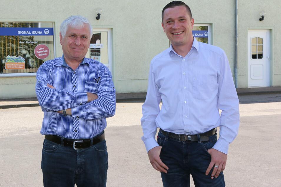Die Gersdorfer Wilfried (links) und Henri Hoffmann haben das 30-jährige Bestehen ihrer Signal-Iduna-Agentur gefeiert.