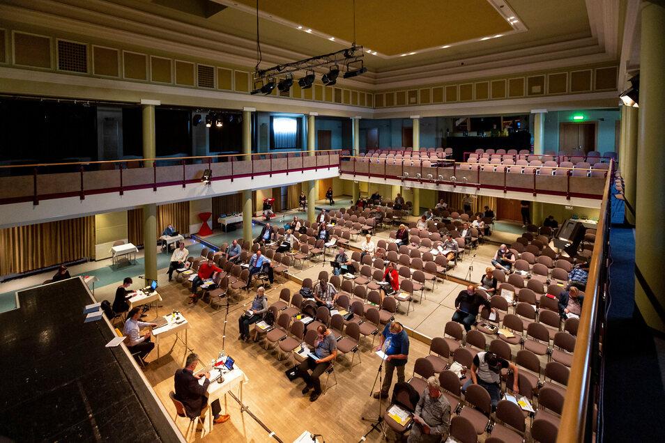 Das Freitaler Kulturhaus ist derzeit Kulisse für die Sitzungen des Stadtrates.