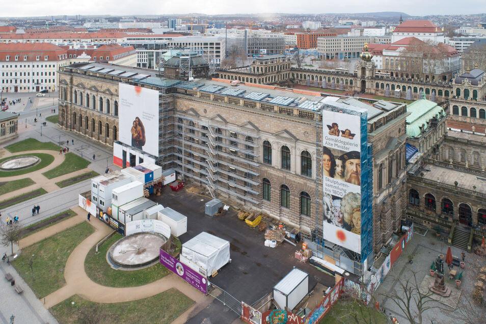 Die Front der Sempergalerie am Theaterplatz.