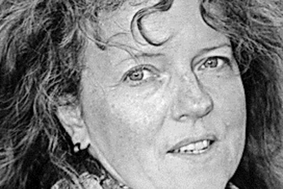 Anne Krahl ist Jahrgang 1972, arbeitet als Uhrmachermeisterin in Glashütte und wohnt mit ihrer Familie in Pirna.